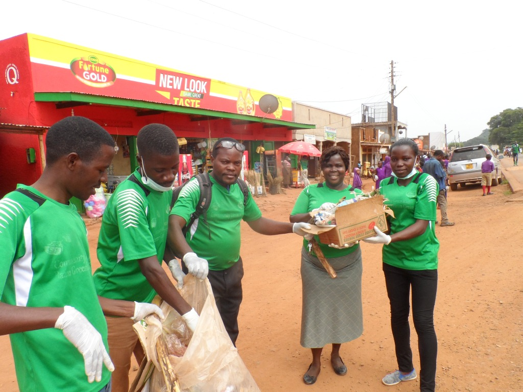COMMUNITY GREEN RADIO TAKES PART IN CLEANING EXERCISE IN KIBOGA